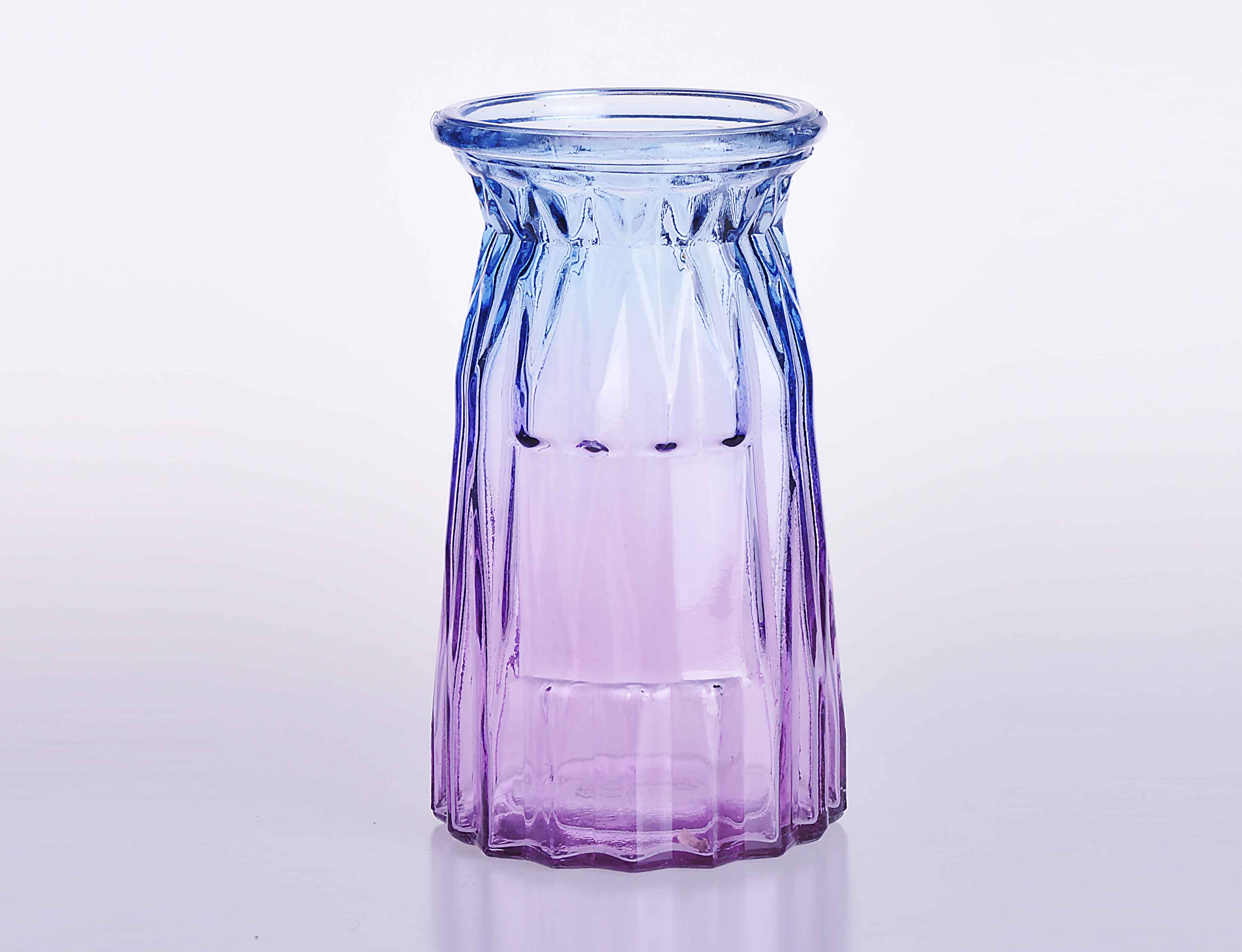 Crystal Flower Vase with glass handle in gradient ramp